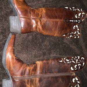 Size 11 Ariat Lacienda Vintage Boots-Caramel